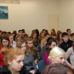 Uczniowie szkół średnich podczas wykładu w auli przy ul. Szerokiej
