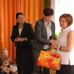 Dyrektor przedszkola mgr Urszula Ciężadło, obok mgr Renata Mielak i kanclerz mgr Zofia Kozioł