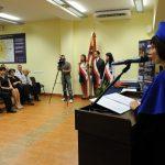 Dziekan Wydziału Zarządzania i Turystyki dr Jolanta Stanienda podczas przemówienia