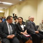 Rektor i Kanclerz MWSE siedzący w sali obrad