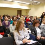 Uczestnicy w sali obrad