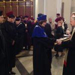 Dziekan dr Jolanta Stanienda składa ślubowanie w archikatedrze
