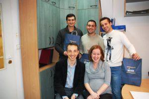 Studenci z Hiszpanii i Turcji z asystentami z Katedry Zarządzania