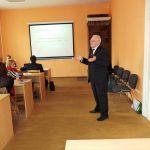 Prof. dr hab. Jan Siekierski prowadzi zajęcia w Kuldiga