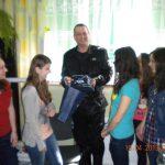 """Spotkanie studentek z koła """"Paidagos"""" z Kevinem Aistonem"""
