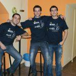 """Trzech studentów z Hiszpanii i Turcji w barze """"Pomarańcza"""""""