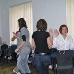 Uczestnicy tańczący w parach