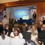 Uczestnicy i organizatorzy spotkania podczas konferencji
