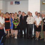 Grupa seminaryjna dr Marzeny Bac wraz z członkami komisji egzaminacyjnej