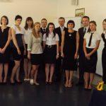 Grupa seminaryjna dr Marii Dąbrowy wraz z promotorem