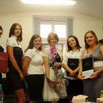 Studenci z promotorem dr Marzeną Bac