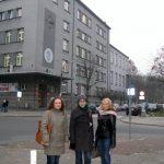 Paidagogos w Krakowie - dziewczęta na ulicach Krakowa