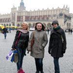 Paidagogos w Krakowie - studentki na Rynku Krakowskim