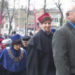 mgr Renata Mielak oraz dr Jolanta Stanienda podczas procesji na Jasną Górę