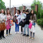 Studentiki Pedagogiki przez ogrodzeniem Zakładu Poprawczego w Tarnowie
