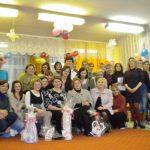 Zdjęcie grupowe uczestników, opiekunów i instruktorów
