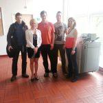 mgr Karolina Chrabąszcz i mgr Veronika Brunerova ze studentami