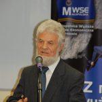 prof. Julian Dybiec kierownik Katedry Nauk o Wychowaniu MWSE