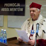 Rektor, prof. dr hab. Michał Woźniak przy mównicy
