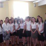Rachunkowość i zarządzanie finansami - grupa studentów studiów drugiego stopnia z promotorem dr Wojciechem Koziołem
