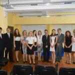 Grupa studentów specjalności Rachunkowość i zarządzanie finansami z promotorem dr Wojciechem Koziołem