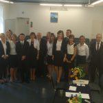 Grupa studentów specjalności Gospodarka nieruchomościami z promotorem prof. Leszkiem Kałkowskim