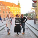 Studentki z Tarnowa oraz p. Barbara Sochal na warszawskiej starówce