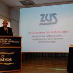Mgr Marek Solarz z ZUS podczas prezentacji systemu emerytalnego
