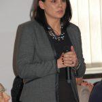 Dr Anna Wojtowicz z mikrofonem