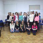 Wspólne, grupowe zdjęcie studentów MWSE uczestniczących w spotkaniu oraz studentów z Krakowa prowadzących zajęcia