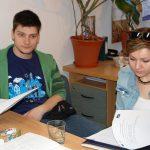 Dwoje studentów z Chorwacji podczas zajęć