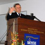 Prof. Leszek Kozioł w trakcie wykładu