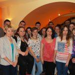 Zdjęcie grupowe uczestników gotowania i gości
