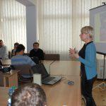 Mgr Karolina Chrabąszcz w trakcie prezentacji oferty edukacyjnej MWSE