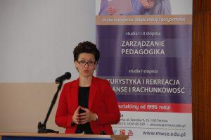 Pani dr Barbara Klasińska w trakcie wystąpienia