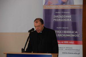 Ks. dr hab. prof. MWSE Jacek Siewiora w trakcie wystąpienia
