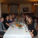 Studenci przy stole