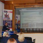 Pan asp. sztab. Jerzy Kuczkowski - Komenda Miejska Policji w Tarnowie - podczas wystąpienia