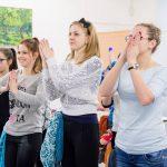 Grupa studentów podczas zajęć
