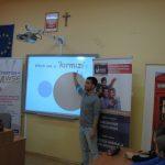 Student z Turcji podczas prezentacji