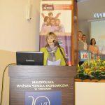 Dziekan dr Renata Smoleń wita zebranych