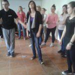Uczestnicy w trakcie tańca