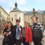 Pracownicy MWSE z pracownikiem uczelni w Pradze podczas wizyty na zamku w Hradczanach