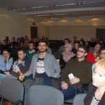 Uczestnicy Dni Otwartych podczas prelekcji studentów zagranicznych - w pierwszych rzędach studenci programu Erasmus+
