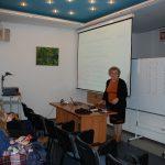 Dr Maria Dąbrowa w trakcie wykładu
