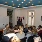 Sala wykładowa podczas prelekcji dr A. Wojtowicz - w głębi prowadząca wykład