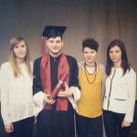 Czworo studentów - studentki z Tarnowa oraz dwoje studentów chorwackich, którzy studiowali w MWSE