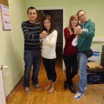 Studentki z Tarnowa z partnerami podczas lekcji salsy