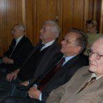 Od prawej siedzą prof. Leszek Kałkowski, prof. Leszke Kozioł, Rektor MWSE prof. Michał Woźniak, prof. Zenon Muszyński