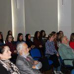 Słuchacze podczas wykładu. W pierwszym rzędzie od lewej kanclerz mgr Zofia Kozioł i kierownik Katedry Nauk o Wychowaniu prof. Jan Rajmund Paśko